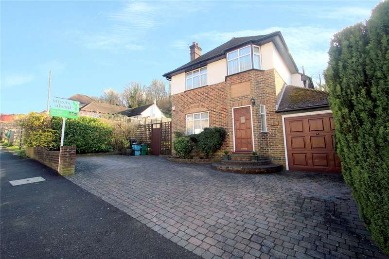 3 Bedrooms Detached House for sale in Mead Way, Coulsdon