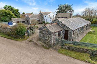 4 Bedrooms Detached House for sale in Coverack, Helston, Cornwall