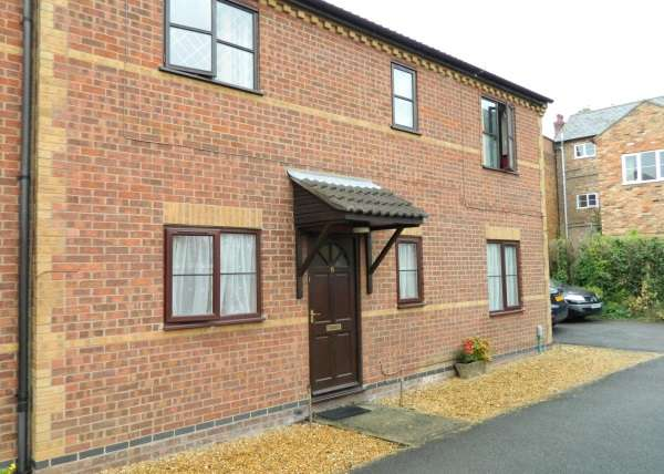 2 Bedrooms Flat for sale in 70 Ampthill Road, Bedford, MK42 9HP