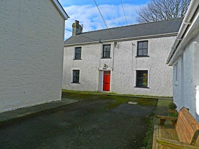 3 Bedrooms Detached House for sale in Arfryn House, Puncheston, Haverfordwest, Pembrokeshire