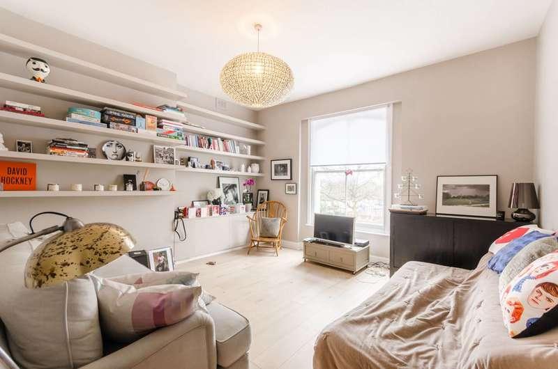 2 Bedrooms Flat for sale in Cazenove Road, Stoke Newington, N16