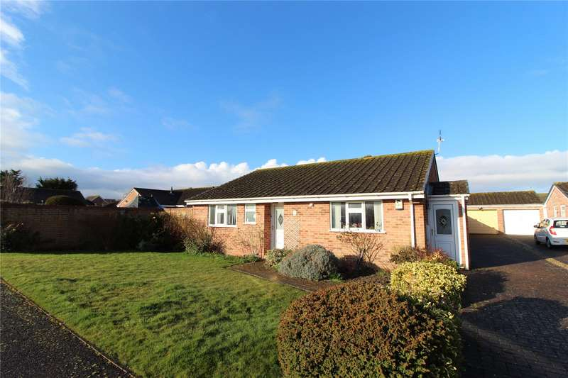 2 Bedrooms Bungalow for sale in Harbourne Close Burnham on Sea Somerset TA8