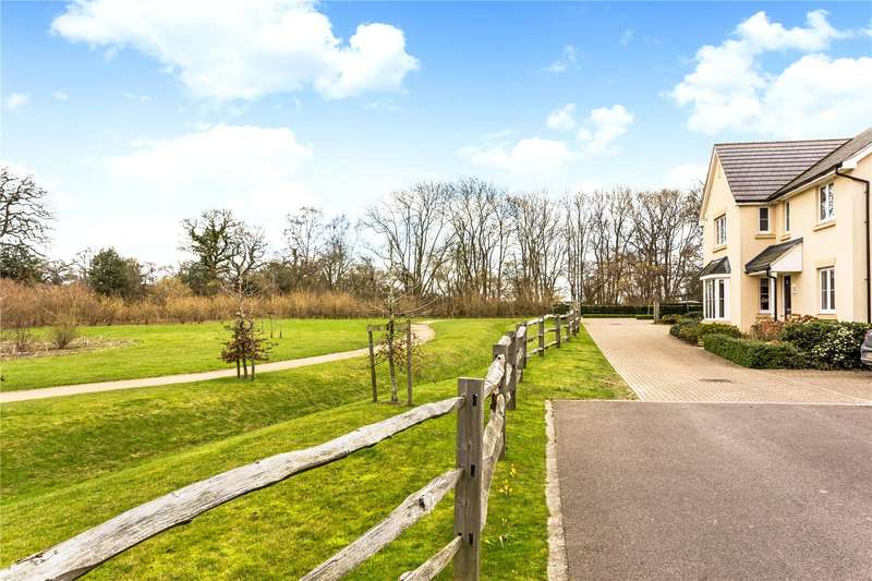 4 Bedrooms Detached House for sale in The Cobbs, Hartley Wintney, Hook, RG27