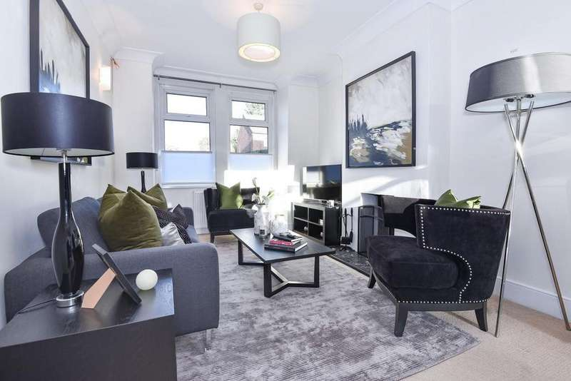 3 Bedrooms Terraced House for sale in Dupont Road, Raynes Park