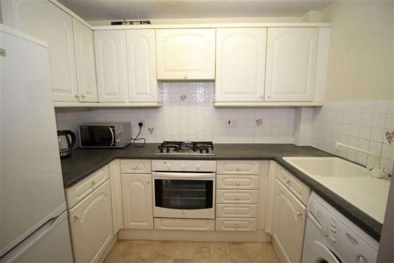 2 Bedrooms Flat for rent in 647 Rochdale Road, Manchester
