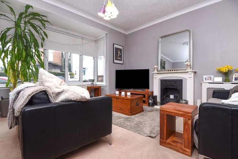 2 Bedrooms Flat for sale in Barrow Road, Streatham