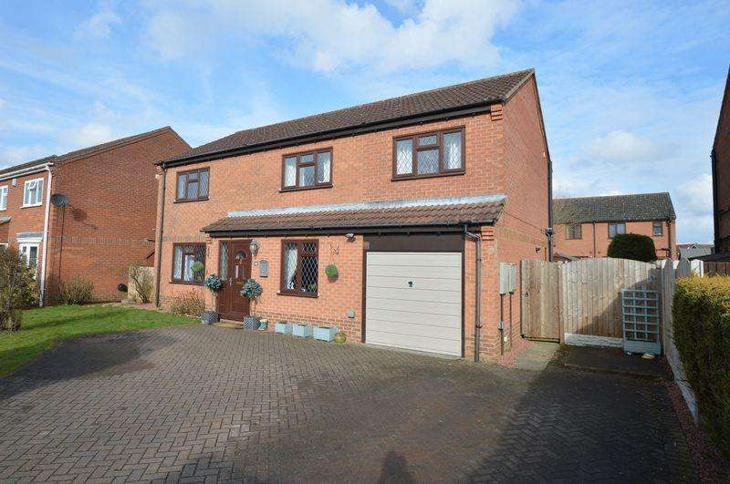 5 Bedrooms Detached House for sale in Elistar, 10 Castleview, Tattershall