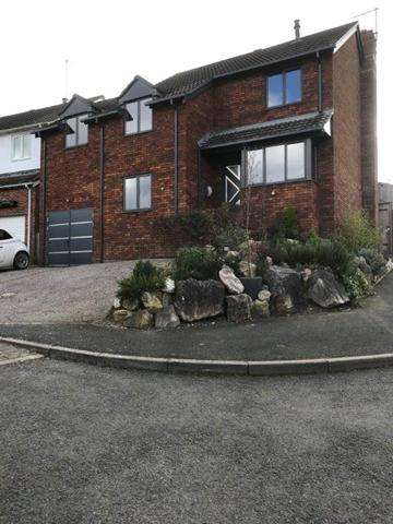 4 Bedrooms Detached House for rent in Chudleigh - Stunning detached contemporary 4 bedroom, 4 bathroom house