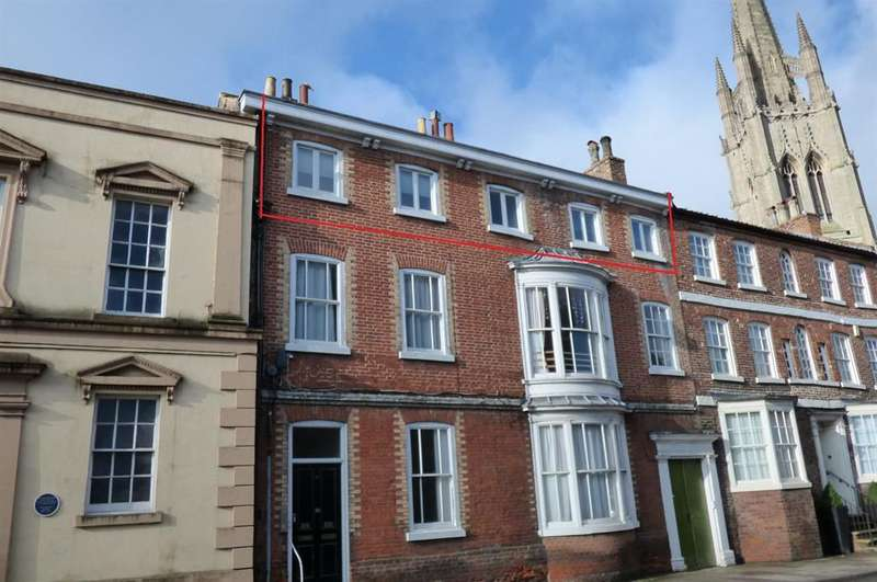 3 Bedrooms Apartment Flat for sale in Upgate, Louth, LN11 9ET