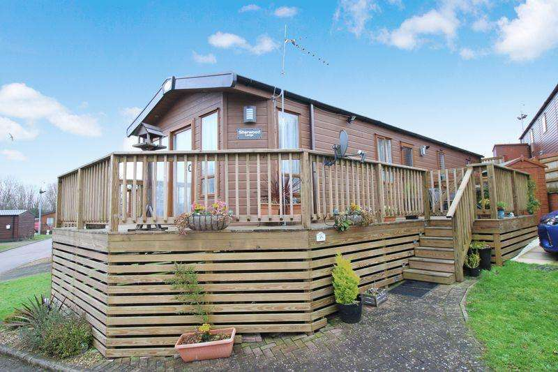 2 Bedrooms Lodge Character Property for sale in 35 Applegrove Lodges, Burniston
