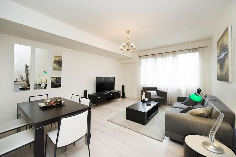2 Bedrooms Flat for sale in Napier Place, Kensington W14