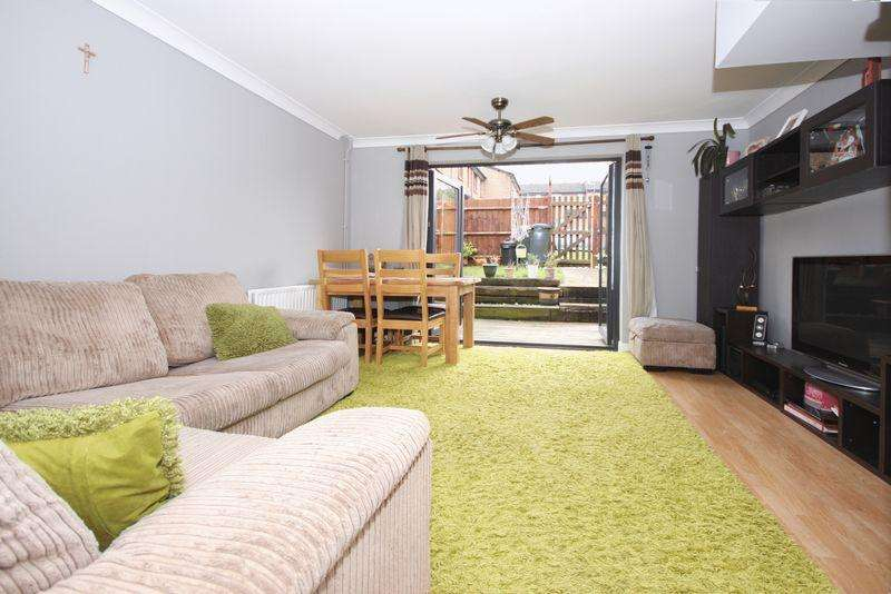 2 Bedrooms Terraced House for sale in Tollgate Hill, Crawley