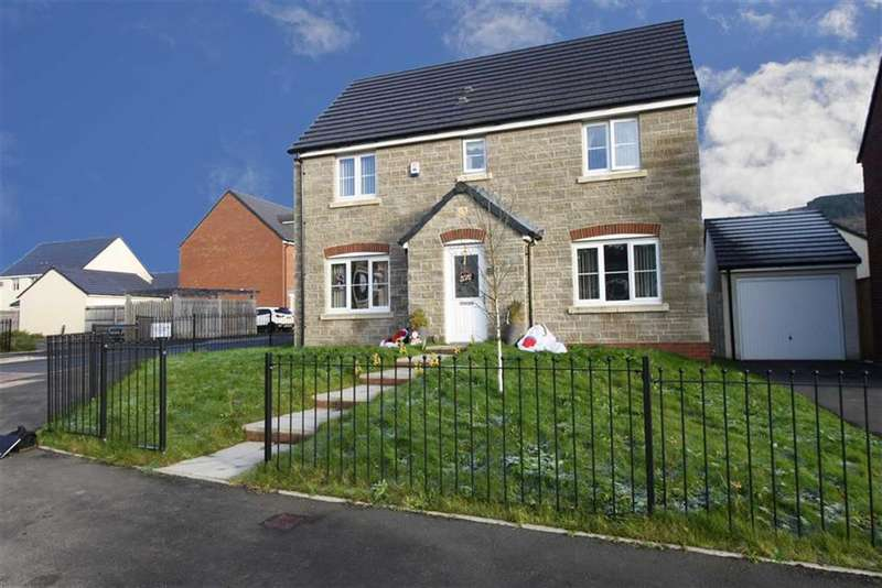 4 Bedrooms Detached House for sale in Tirfounder Fields, Cwmbach, Aberdare