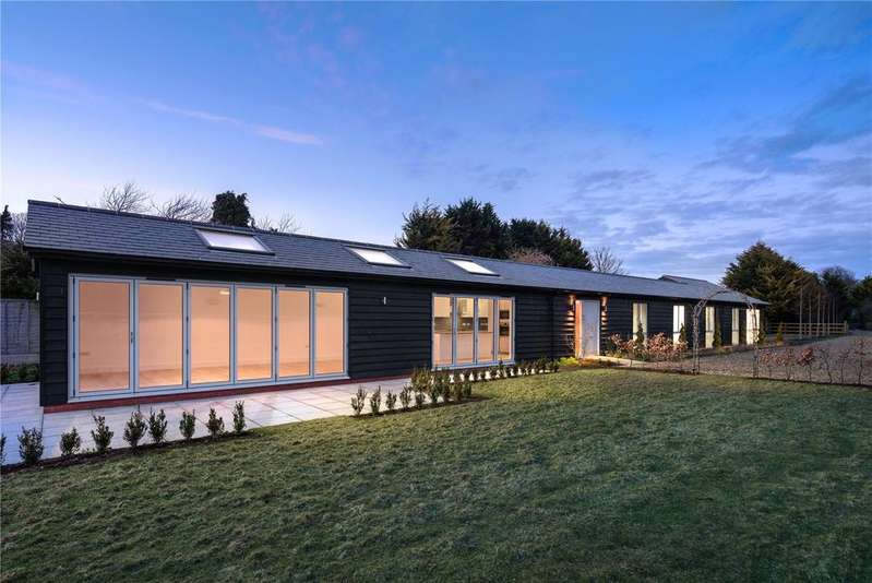 4 Bedrooms Detached House for sale in Chrishall Road, Fowlmere, Royston, Hertfordshire