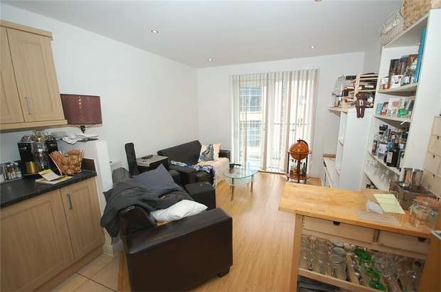 1 Bedroom Flat for sale in Taylorson Street South, SALFORD, Greater Manchester