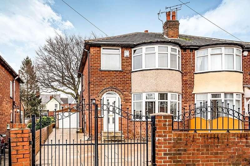 3 Bedrooms Semi Detached House for sale in Knightsway, LEEDS, LS15