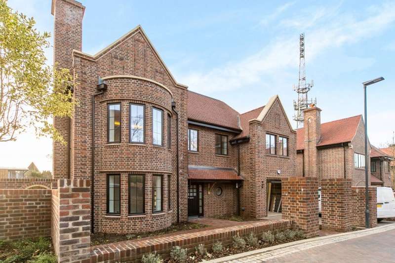 5 Bedrooms Detached House for rent in Chandos Way Wellgarth Road Hampstead Garden Suburb NW11