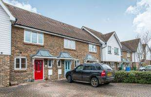 2 Bedrooms Terraced House for sale in Finch Close, Faversham, Kent