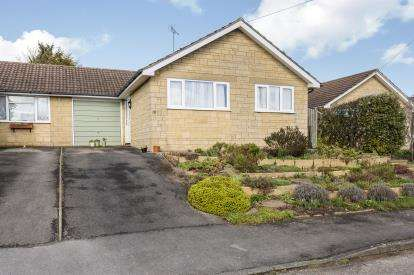 3 Bedrooms Bungalow for sale in Stancombe View, Winchcombe, Cheltenham, Gloucestershire