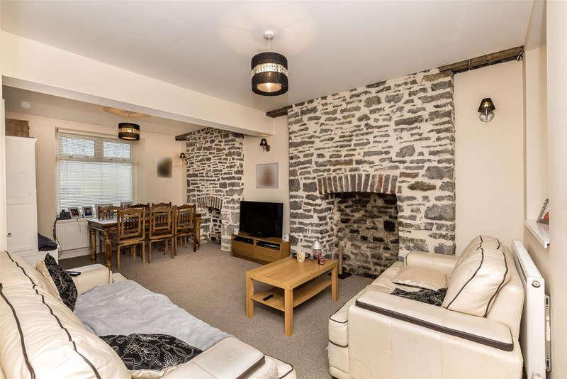 2 Bedrooms End Of Terrace House for sale in Dinam Street, Nantymoel, Bridgend