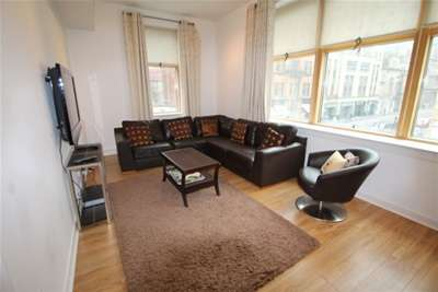 2 Bedrooms Flat for rent in Hutcheson Street, MERCHANT CITY