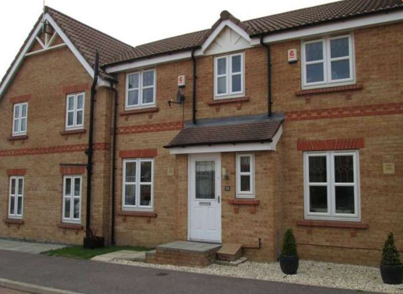 3 Bedrooms Town House for rent in Roebuck Ridge, Barnsley, Yorkshire, S74 0LU