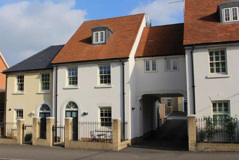 3 Bedrooms Town House for sale in Goodmans Court, Jacklyns Lane, Alresford