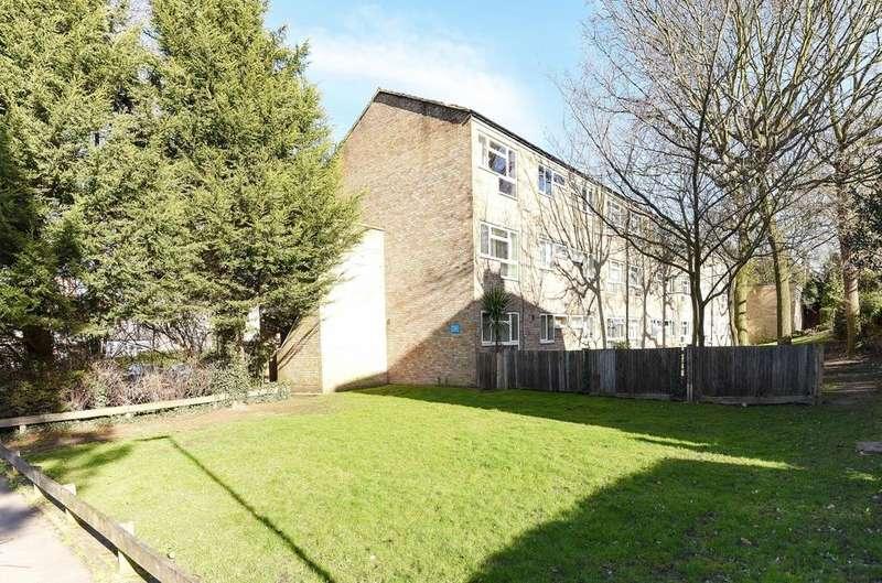 1 Bedroom Flat for sale in Chislet Close Beckenham BR3