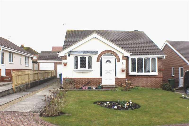 3 Bedrooms Detached Bungalow for sale in Redwood Way, Bridlington, East Yorkshire