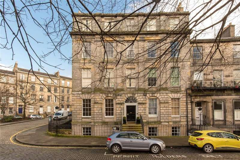 2 Bedrooms Apartment Flat for sale in Royal Crescent, Edinburgh