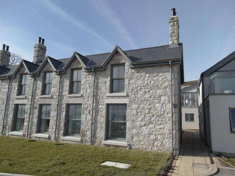 3 Bedrooms Town House for sale in Aberhod Cove, Cayley Promenade, Colwyn Bay