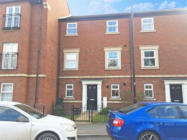 3 Bedrooms Town House for sale in St Georges Parkway, Stafford