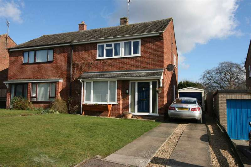 3 Bedrooms Semi Detached House for sale in Heathbell Road, Newmarket