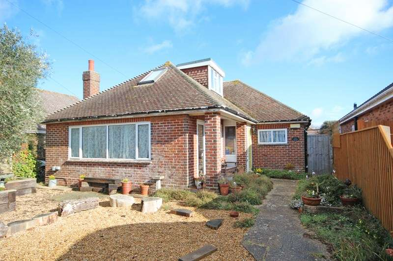 4 Bedrooms Chalet House for sale in Thornbury Road, Hengistbury Head, Bournemouth