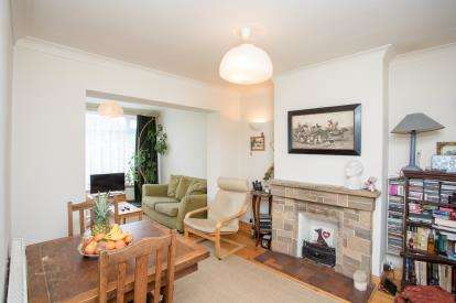 3 Bedrooms End Of Terrace House for sale in Thames Avenue, Perivale, Greenford, Middlesex