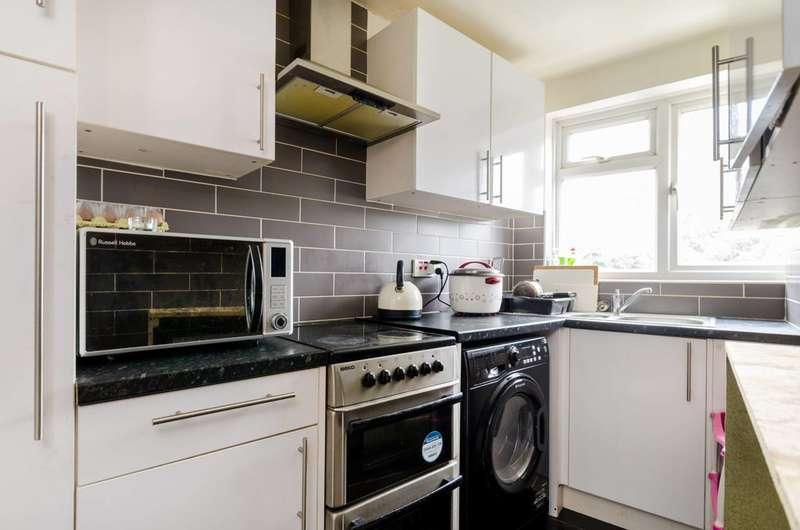 Studio Flat for sale in Burlington Road, New Malden, KT3