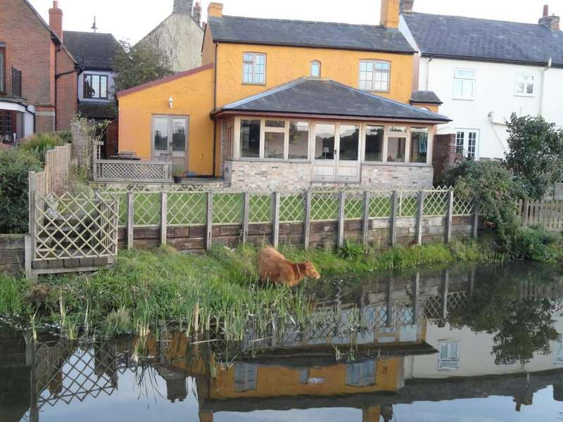 2 Bedrooms Cottage House for rent in Cross Street, Sudbury