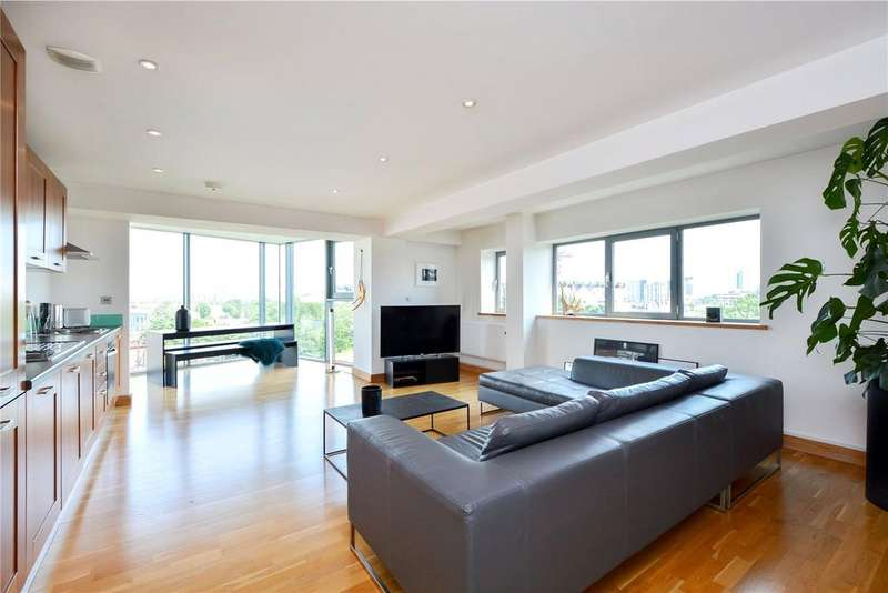 2 Bedrooms Flat for sale in Iron Works, 58 Dace Road, London, E3