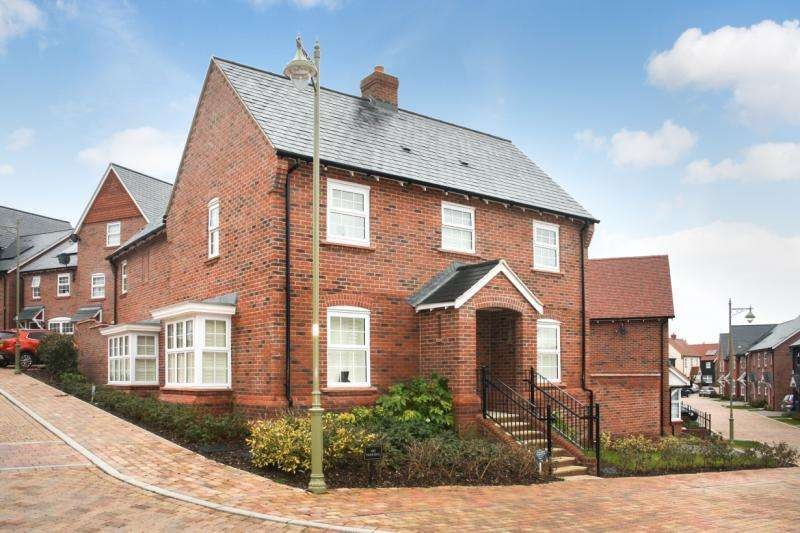 4 Bedrooms Detached House for sale in Moley Gardens, Wantage