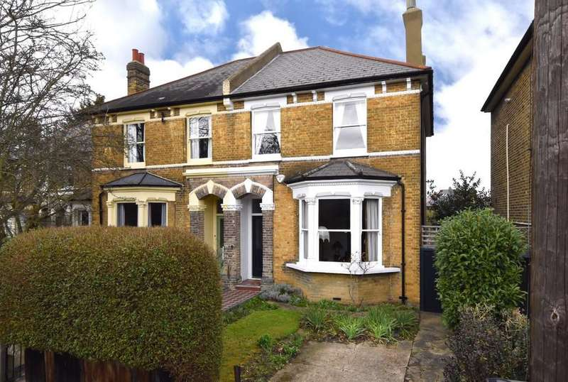 3 Bedrooms Semi Detached House for sale in Allenby Road SE23