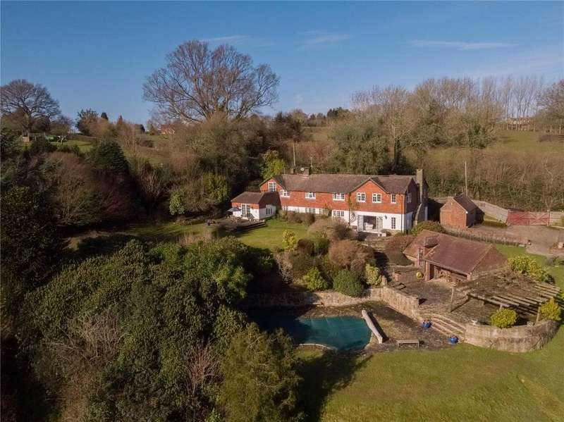 5 Bedrooms Detached House for sale in Tanyard Lane, Chelwood Gate, West Sussex