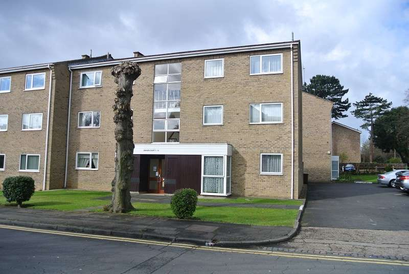 2 Bedrooms Property for rent in Amanda Court, Peterborough, Cambridgeshire. PE3 6BU