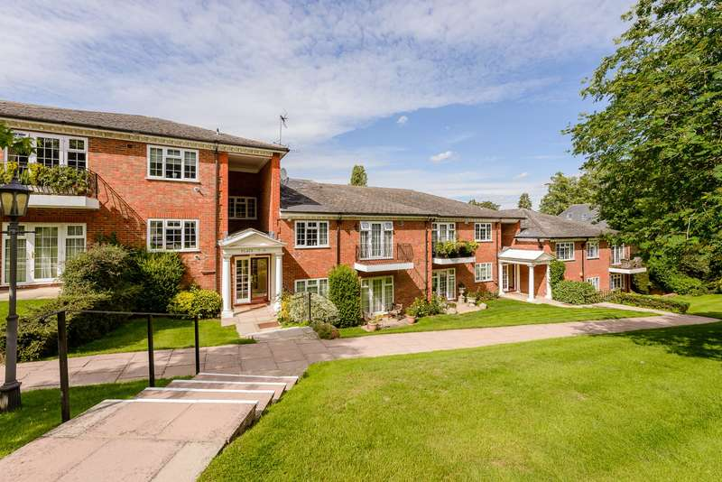 2 Bedrooms Flat for sale in Penn Haven, Oak End Way, Gerrards Cross, SL9
