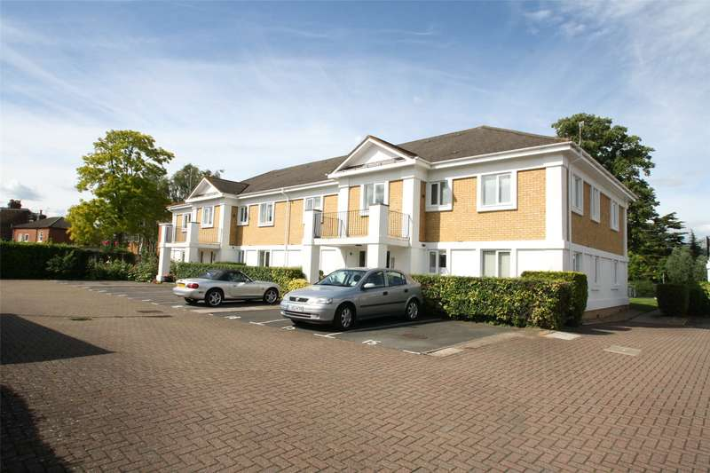 2 Bedrooms Apartment Flat for rent in Simmons Place, Staines-upon-Thames, Surrey, TW18