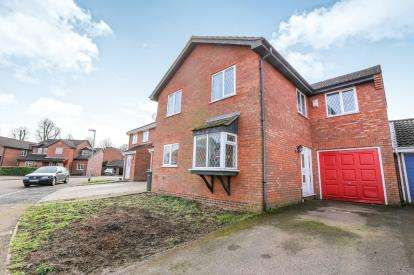 4 Bedrooms Detached House for sale in Thames Close, Flitwick, Bedford, Bedfordshire