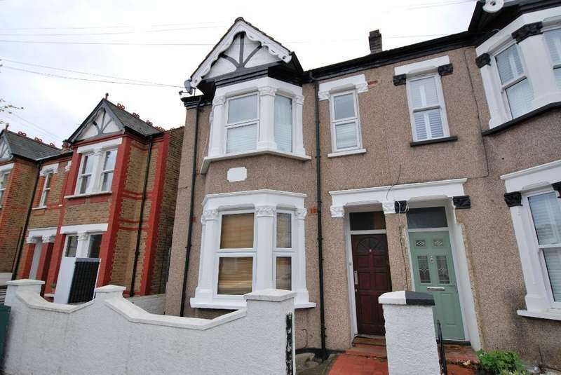 2 Bedrooms Flat for sale in Seward Road, Hanwell, London, W7 2JS