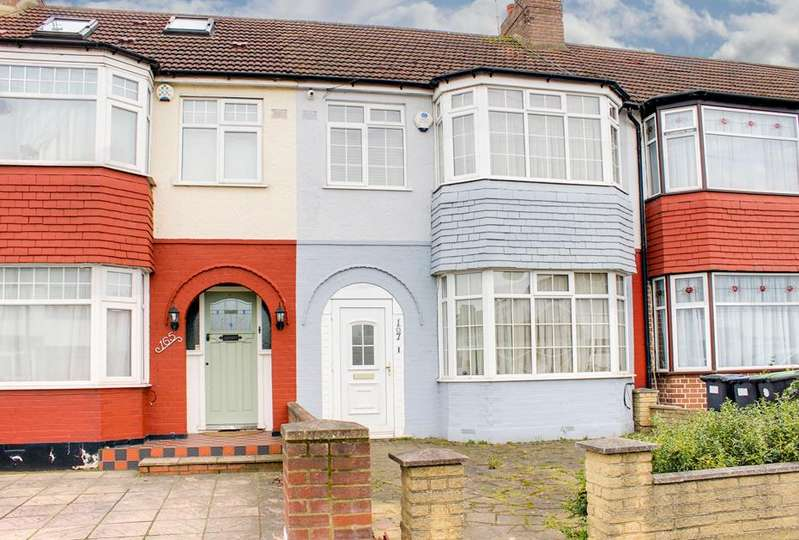 3 Bedrooms Property for sale in New Park Avenue, Palmers Green, London, N13