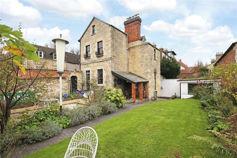 4 Bedrooms Mews House for sale in Middle Street, Stroud, Gloucestershire, GL5