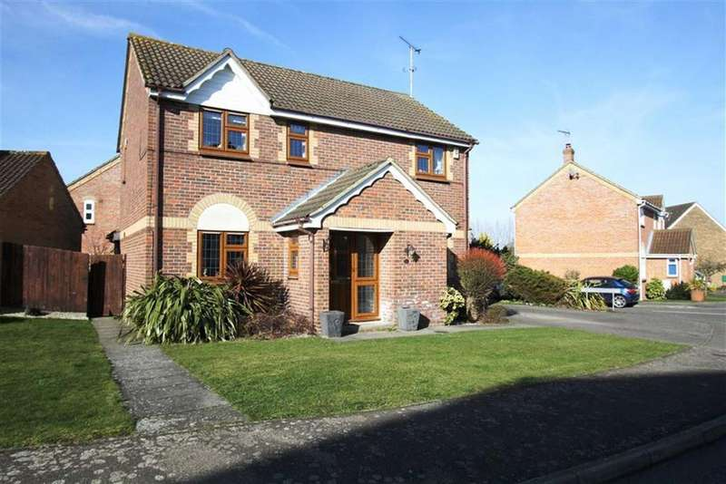 4 Bedrooms Detached House for sale in Lampern Crescent, Billericay