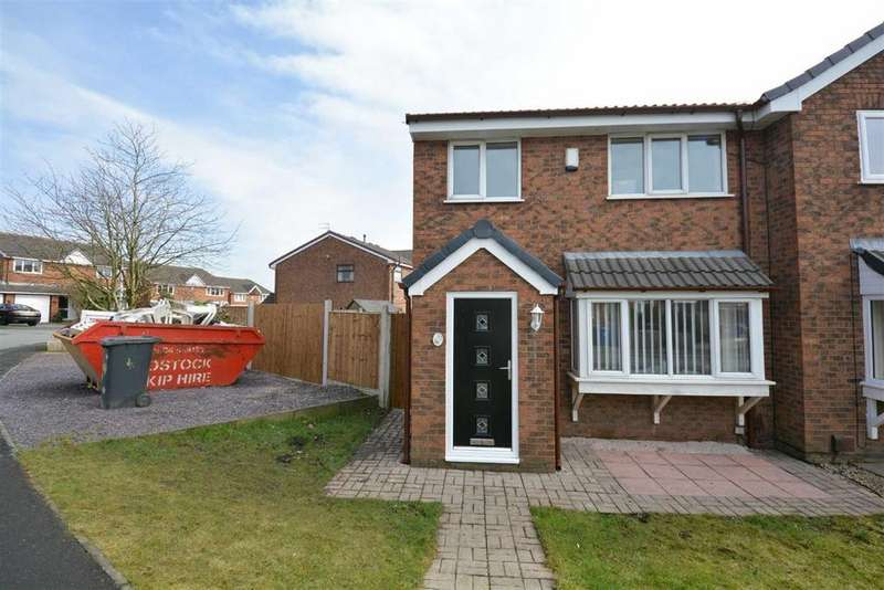 3 Bedrooms Semi Detached House for rent in Renfrew Road, Aspull, Wigan, WN2